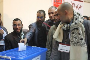 Hani Fawzi casting his ballot in Asala Party internal elections (photo: Clara Pak)