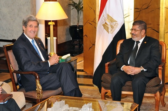 U.S. Secretary of State John Kerry meets with Egyptian President Mohamed Morsi, May 2013