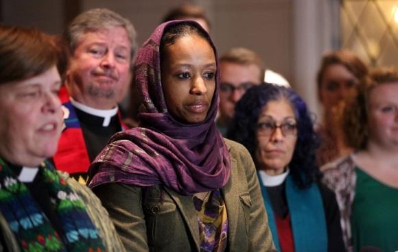 Hawkings Wheaton Hijab
